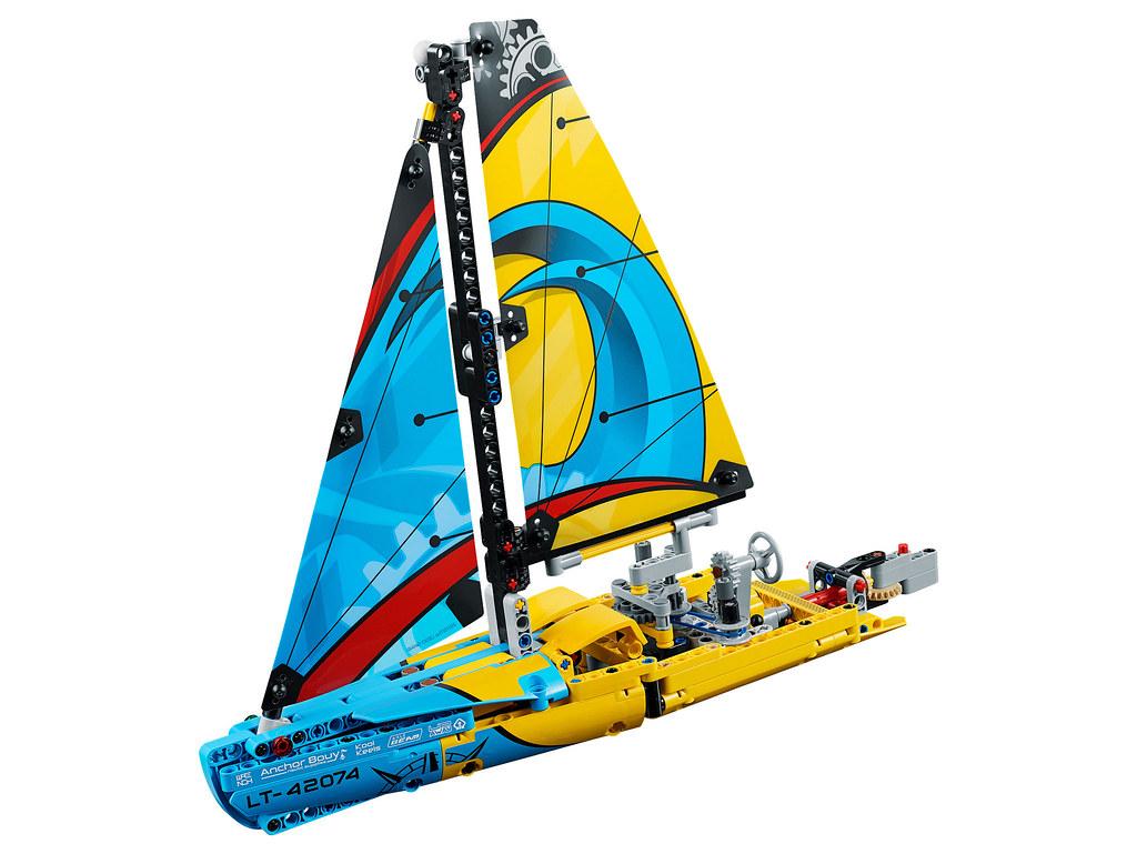 LEGO Technic 42074 - Racing Yacht
