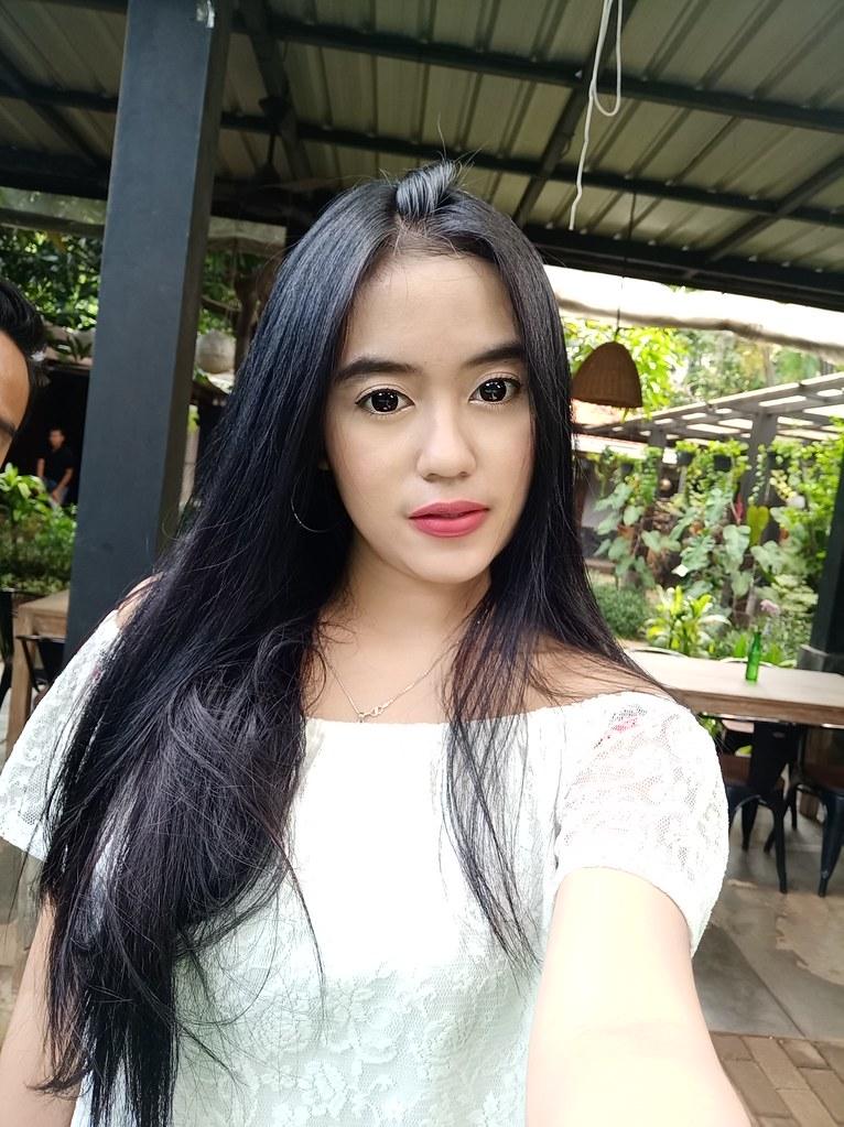 Hasil Selfie Oppo F5 dengan mode Beauty
