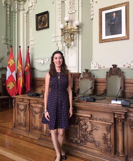 Obtiene beca para profesionalización de servidores públicos en España