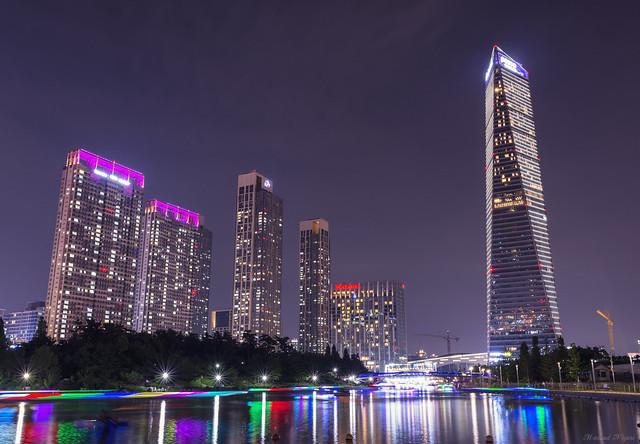 Sheraton and Oakwood Premier Incheon at night