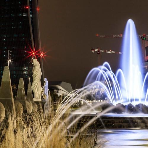 • • • • • #longexposure #nightphotography #longexpoelite #longexposure_shots #amazing_longexpo #amazing_longexposure #longexposureoftheday #milano #milan #milanbynight #milanocity #citylife #skyscraper #tv_pointofview #architecture #explore #discovery #tr