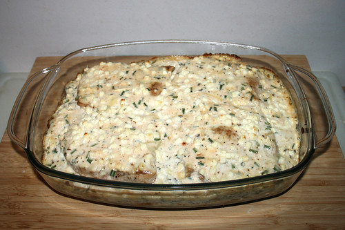 50 - Roast potatoes casserole with escalopes & chives feta cream - Finished baking / Bratkartoffelauflauf mit Schnitzeln & Schnittlauch-Feta-Creme - Fertig gebacken
