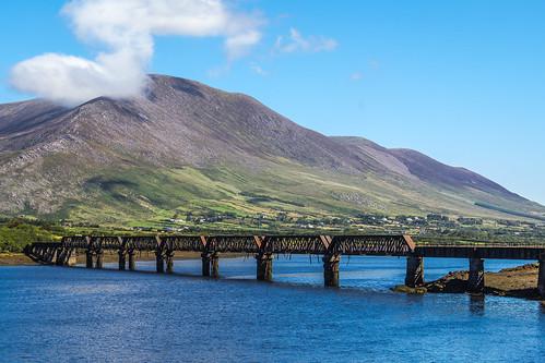 marcial bernabeu bernabéu ireland irish irlandes irlanda kerry ring anillo bridge iron puente hierro metalico cahersiveen mountain montaña water agua