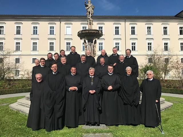 Konvent des Benediktinerstiftes Admont am Schutzengelfest 2017