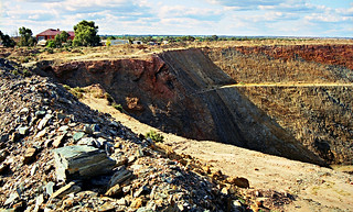 August 1997 - Fraser's open cut gold mine at Southern Cross, Western Australia