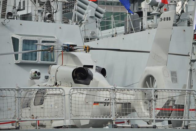 PLAN Harbin Z-9C (14) @ West India Dock 04-10-17