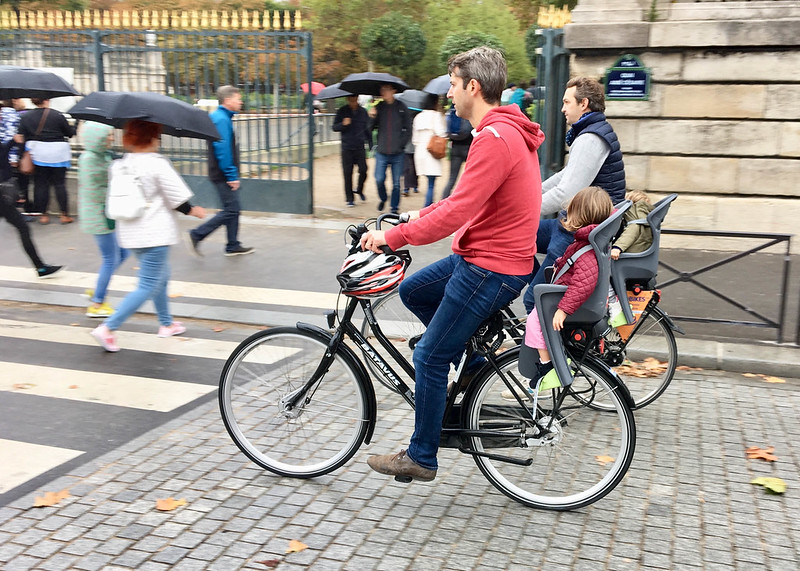 Paris bikes and street scenes-41.jpg