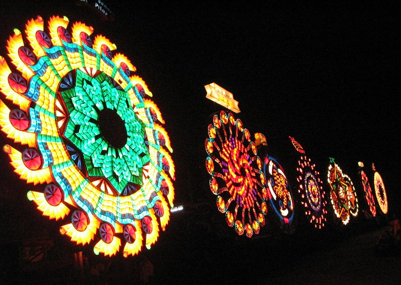 giant-lantern-festival-pampanga-2017