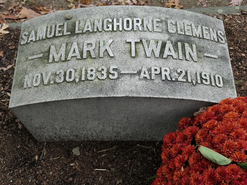 Mark Twain's gravesite