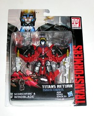 windblade with scorchfire transformers generations titans return deluxe class hasbro 2017 mosc a