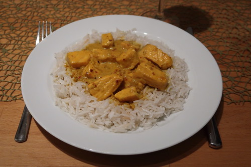 Schnelles Lachs-Curry zu Basmati-Reis