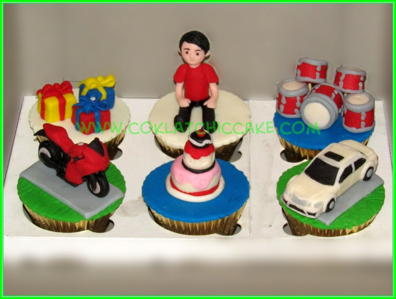 cupcake set for boy
