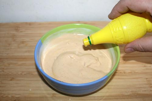 34 - Mit einigen Spritzern Zitronensaft verfeinern / Add some lemon juice