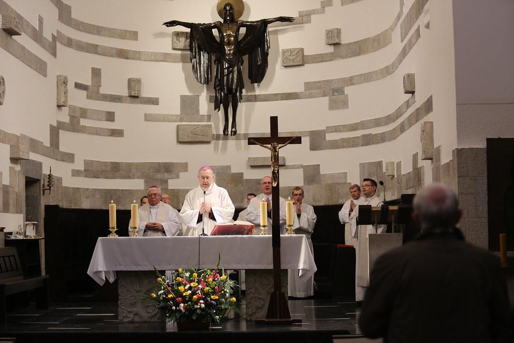 Msza św. w kościele akademickim KUL w dniu rozpoczęcia obrad 377. Zebrania Plenarnego KEP, Lublin, 13 X 2017