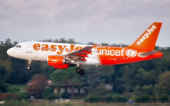 G-EJAR easyJet Airbus A319-111
