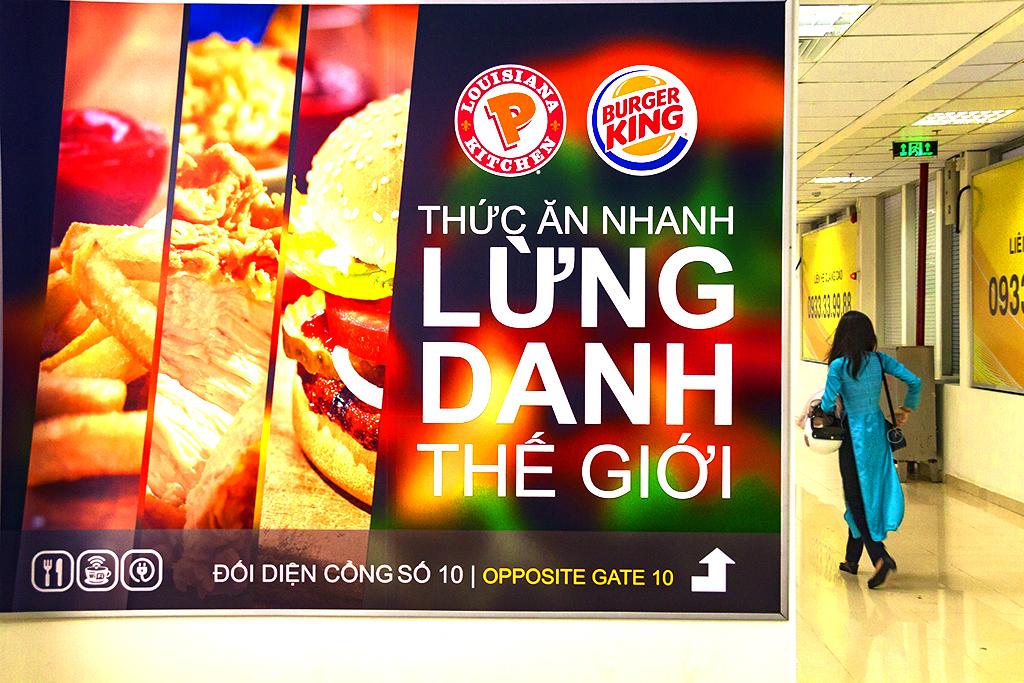 THUC AN NHANH LUNG DANH THE GIOI--Saigon
