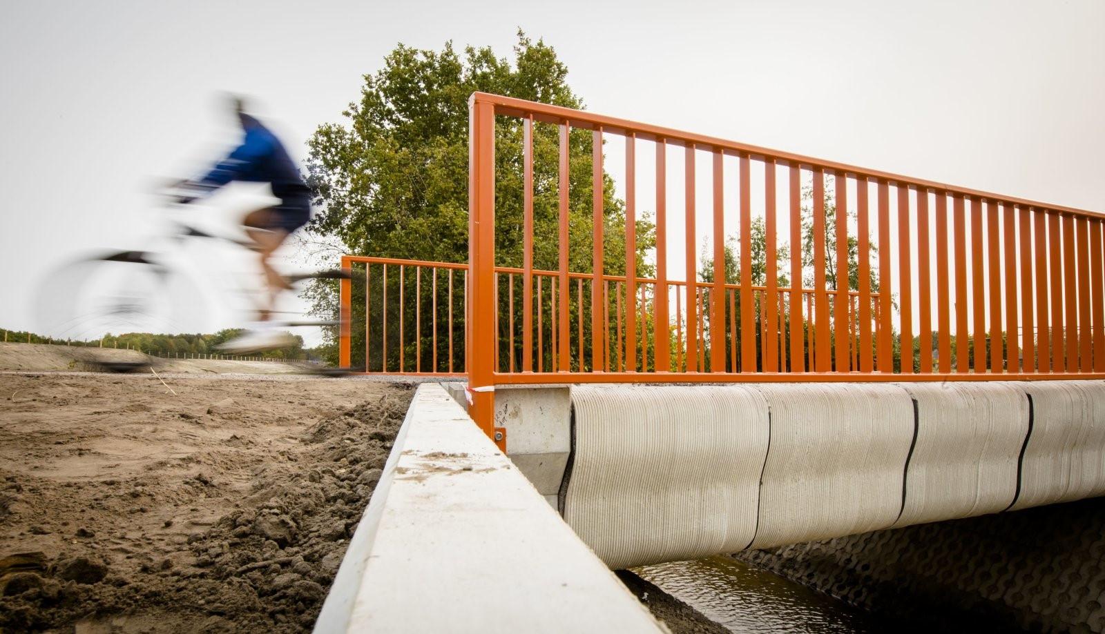 Xây dựng cầu bằng máy in 3D tại Hà Lan