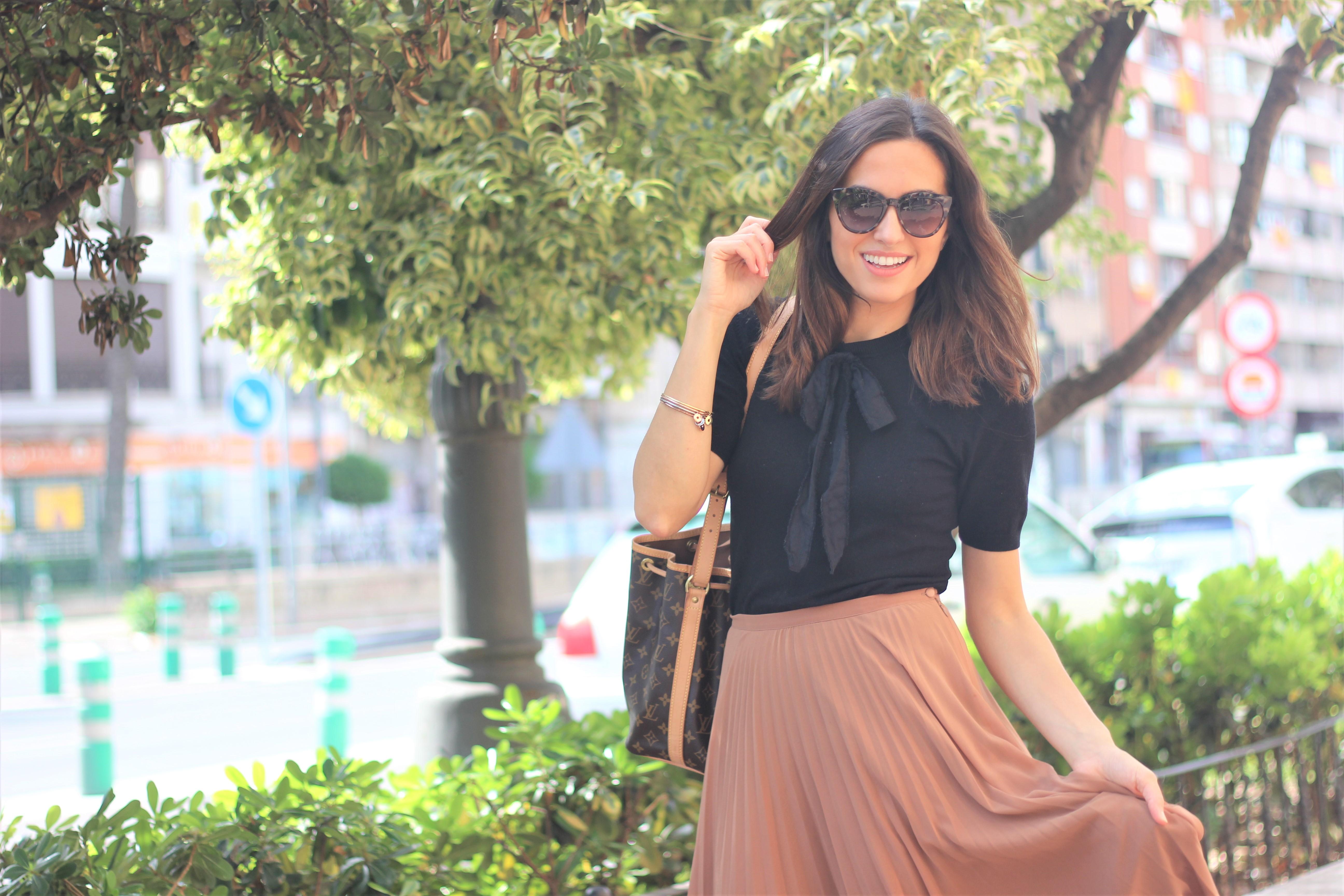 Falda plisada_ Rojo Valentino Blog (30)