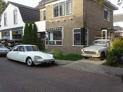 CITROEN  D SPECIAL  08-YA-32 1974 / 2001 + PEUGEOT  404 PICK UP  BE-87-49 1968 / 2017 Apeldoorn