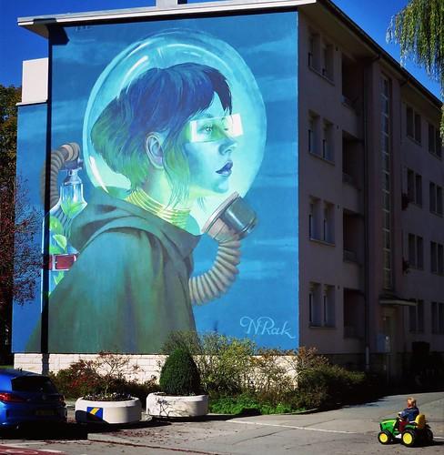 Can you still #breathe ? / #Art by #NataliaRak. . #esch #luxembourg #streetart #streetartluxembourg #graffiti #urbanart #graffitiart #urbanart_daily #graffitiart_daily #streetarteverywhere #streetart_daily #wallart #mural #ilovestreetart #igersstreetart #