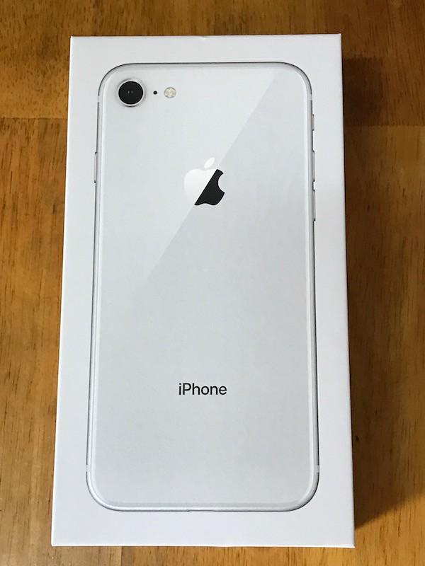 iPhone8の外箱