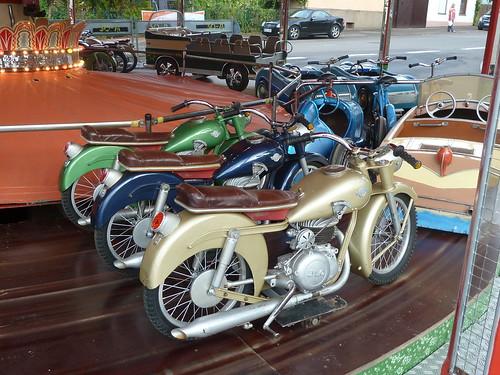 Altes Karussell – Motorräder