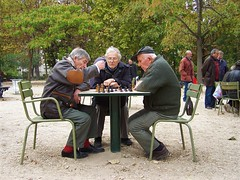 Chess players (Paris, Luxembourg gardens, France).)