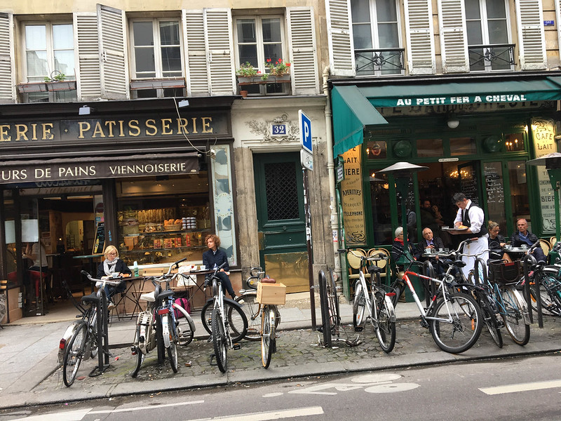 Paris bikes and street scenes-55.jpg