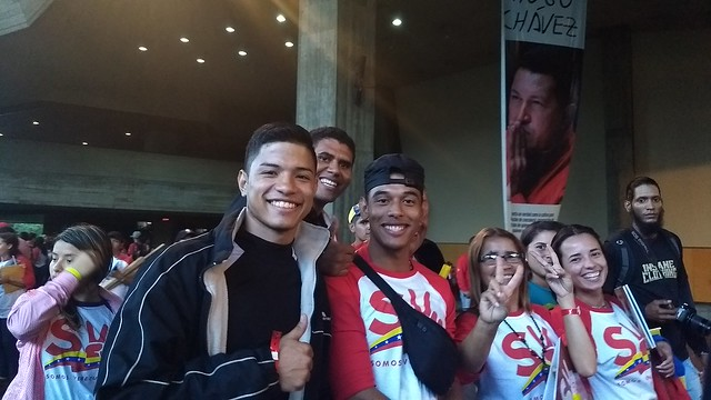Na Venezuela, 86 mil jovens atuam para garantir acesso do povo a políticas sociais