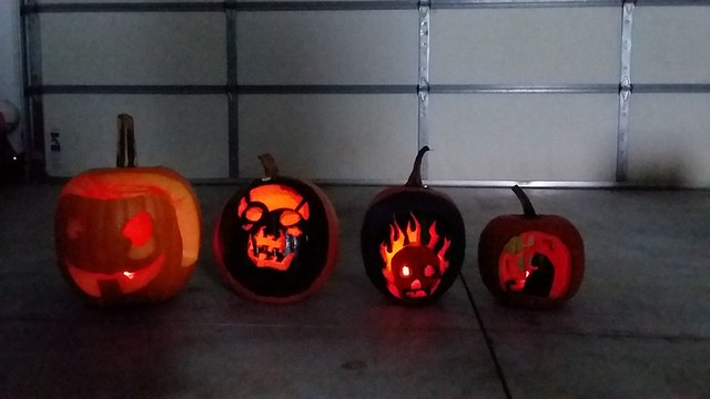 Carve Pumpkins 2017 (4)