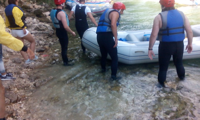 Take your rafting tour on your way