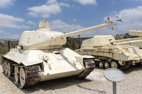 T-34/85 damaged