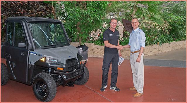 Tropical Islands: RMX übergibt Polaris Elektro Ranger