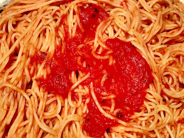 Everything is FOOD! - Spaghetti and Sauce!