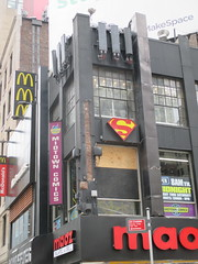 Man Jumps Out Midtown Comics Store 2nd Floor Window 2240