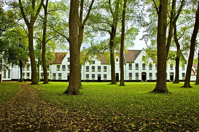 Beguinage (Begijnhof) nuns house