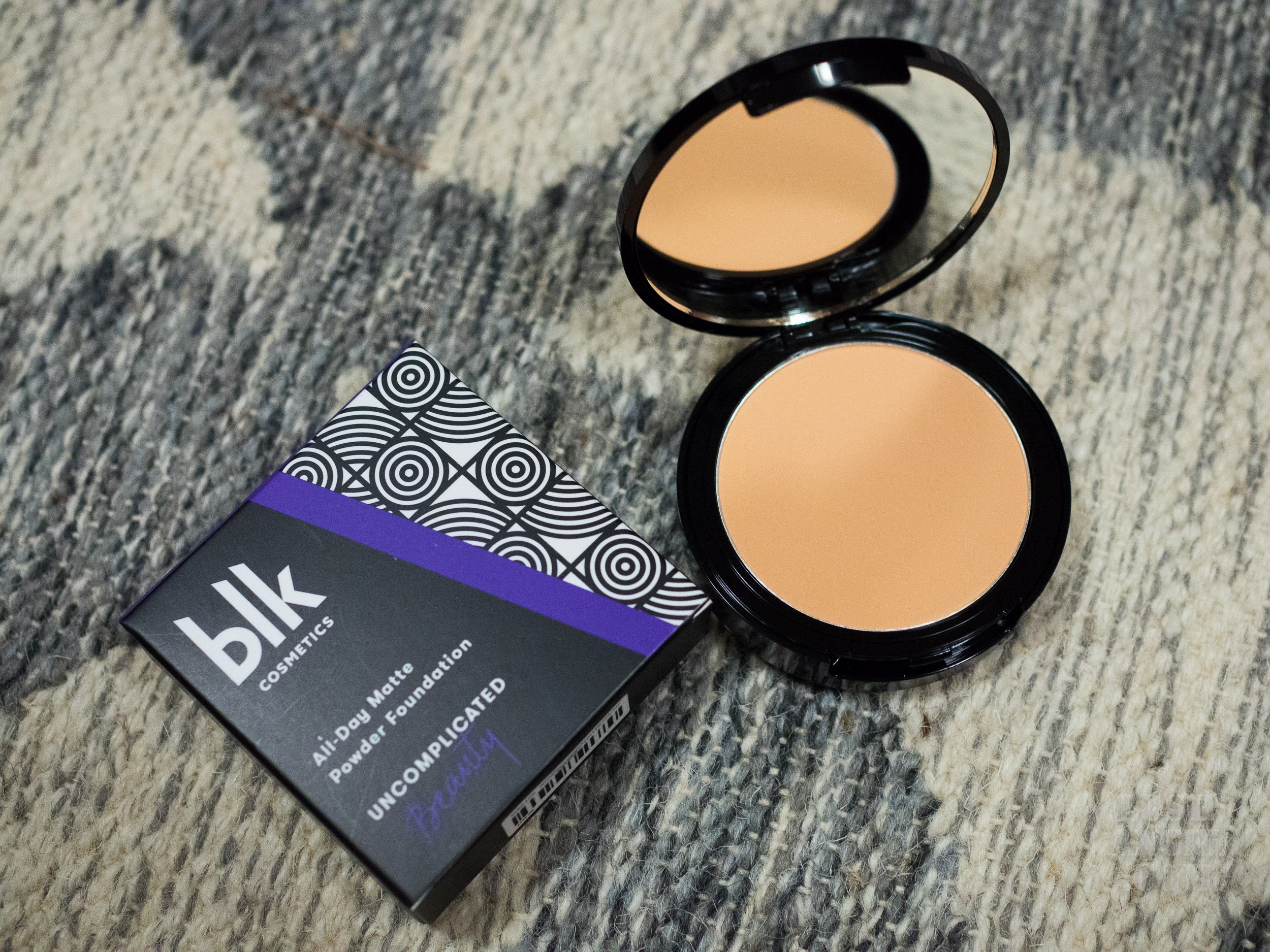 blk-cosmetics-powder-foundation