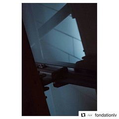 """#Repost @fondationlv (@get_repost) ・・・ #TAKEOVER / Geoffroy Schied (@35mmofmusic) """"La juxtaposition des quatre principaux matériaux utilisés par Frank Gehry pour construire la Fondation Louis Vuitton : le bois, le métal, le verre et le béton. Cette scène"""