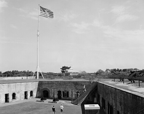 fortmacon boguebanks atlanticbeach coastal northcarolina historic civilwar blackandwhite 4x5 negative film ilfordfp4 expired pyrocathd selfdev wistavx largeformat viewcamera americanflag flagpole cannon brick bwfp
