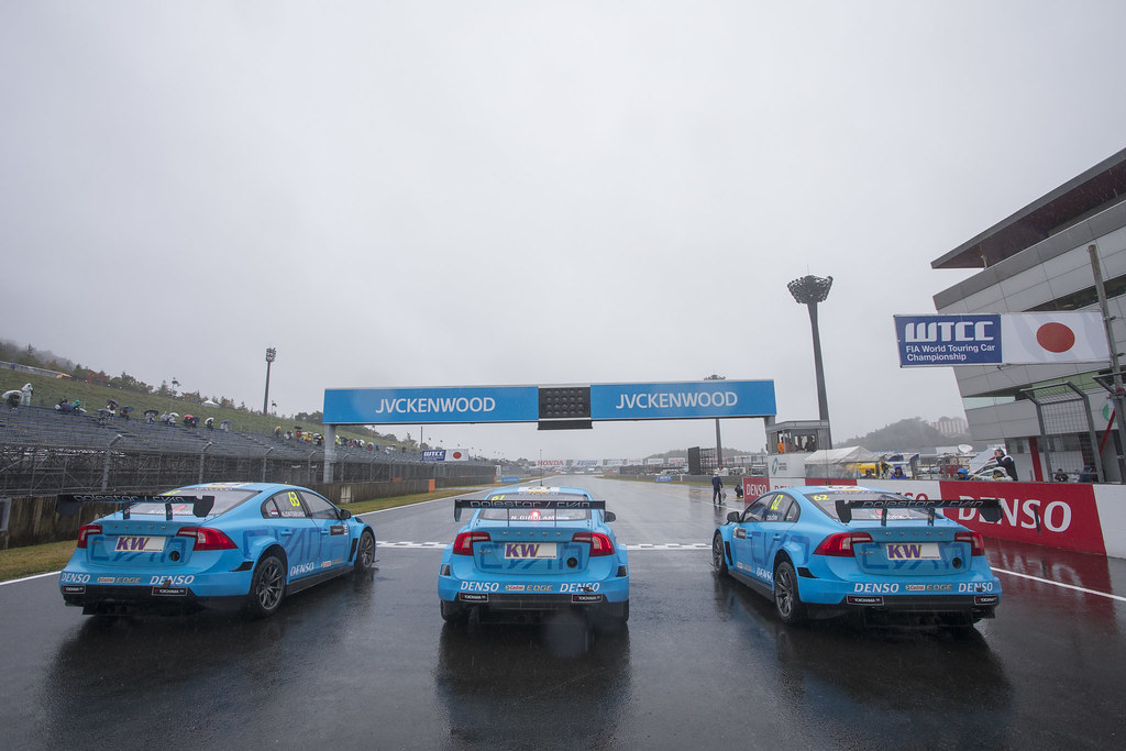 63 CATSBURG Nicky (ned) Volvo S60 Polestar team Polestar Cyan Racing action 61 GIROLAMI Nestor (arg) Volvo S60 Polestar team Polestar Cyan Racing action 62 BJORK Thed (swe) Volvo S60 Polestar team Polestar Cyan Racing action during the 2017 FIA WTCC World Touring Car Championship race at Motegi from october 27 to 29, Japan - Photo Gregory Lenormand / DPPI