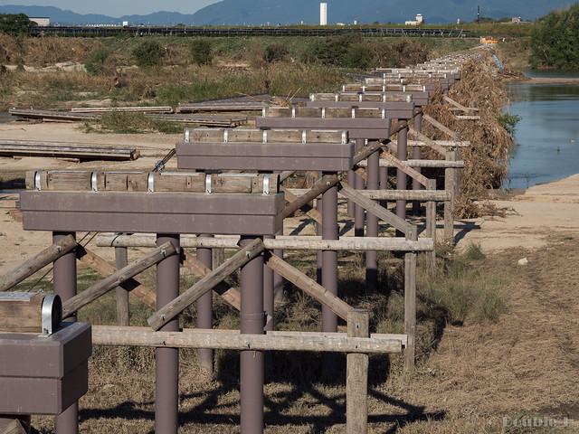"broken Nagare-bashi (Koduya Bridge) - 流された""流れ橋"" (4)"