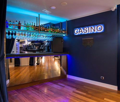Hotel-Bahía-Plentzia-salon-casino-6-1024x932