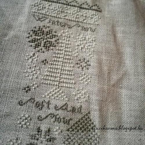 cross stitch, heartstring samplery, winter, stocking (2)