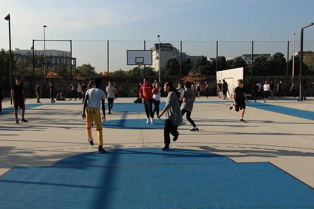 Les élèves de 2nde du lycée Lacassagne ont pratiqué différents sports au parc Sergent Blandan