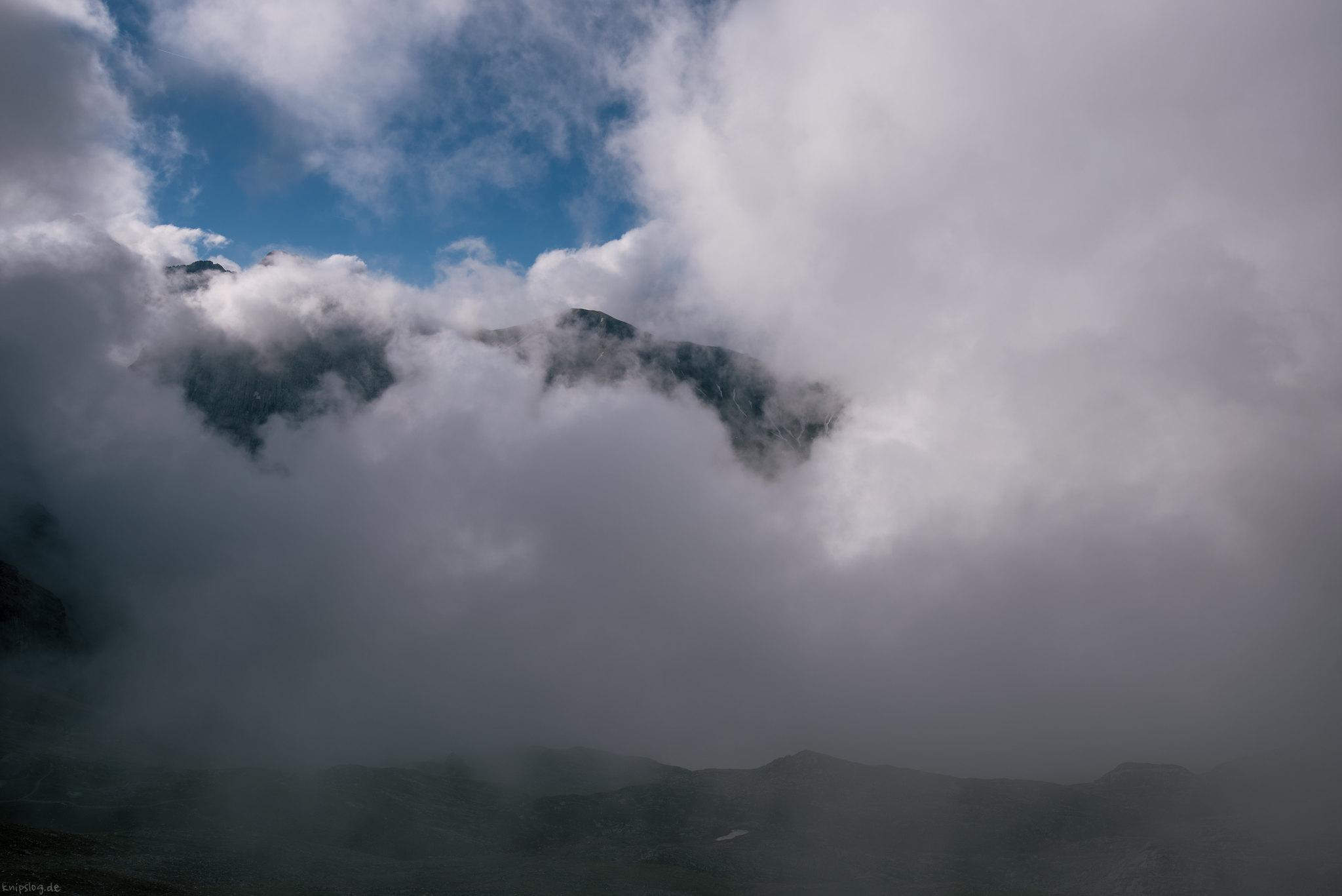 Cloudy mountain mix