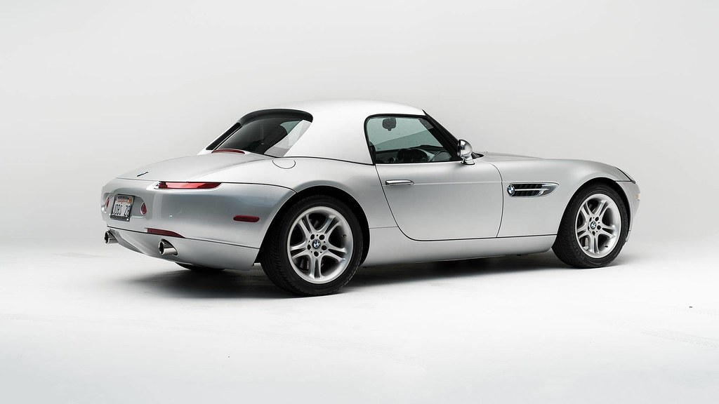 steve-jobs-2000-bmw-z8-auction5