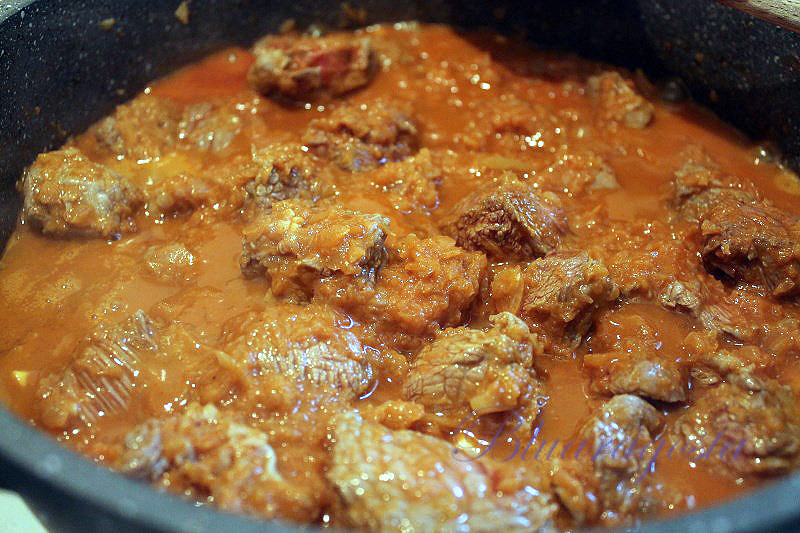 01-il gulash istriano-trentino in cottura