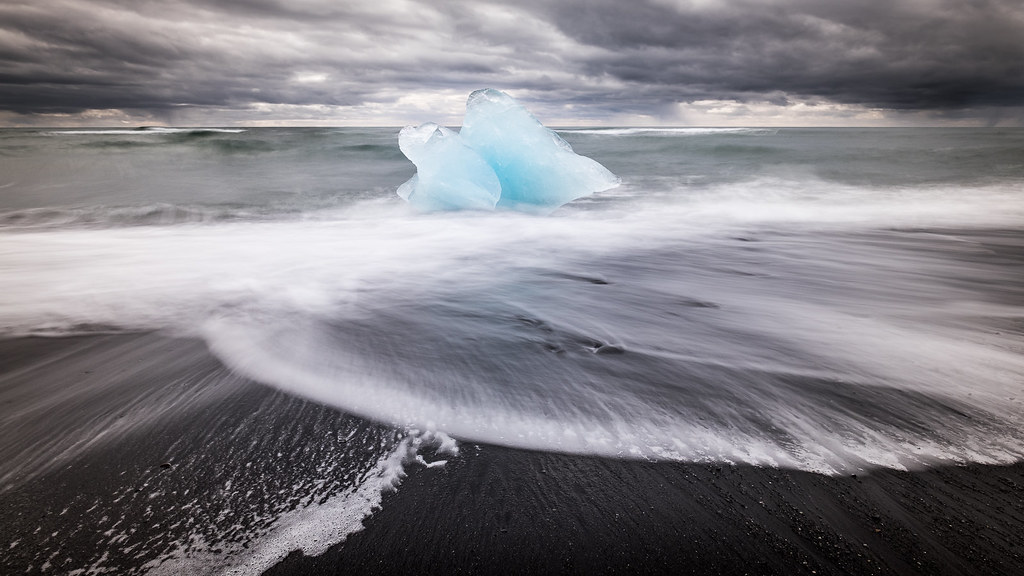 Diamond beach, Iceland picture
