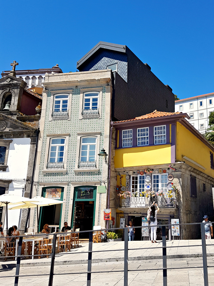 Old Beautiful Porto (012b)