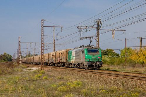15 octobre 2017  BB 27068  Train 53934 Perpignan -> Rungis St-Loubès (33)